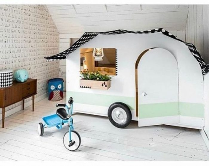 Love this camping theme playroom, so cute!