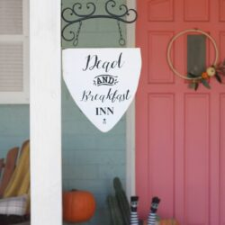 dead and breakfast inn hanging sign