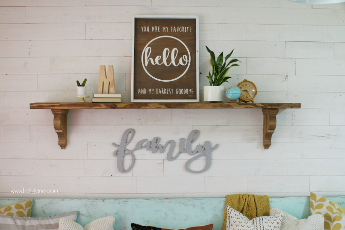 Love this easy to put together entrway fall decor ideas! Grab the easy how to on this rustic farmhouse shelf step by step!