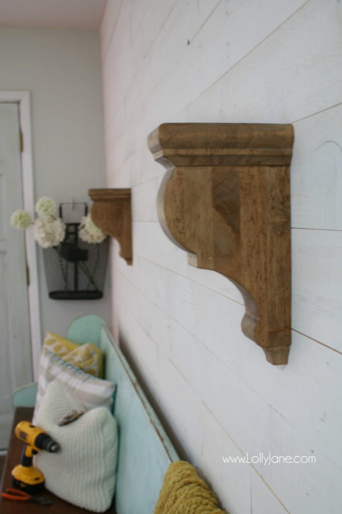 How to make rustic farmhouse entryway shelf, so easy! Love this rustic farmhouse shelf tutorial and these rustic wood corbels!