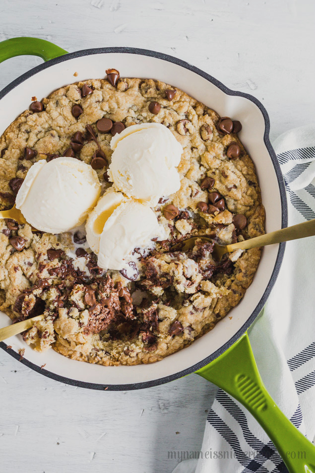 Easy Chocolate Chip Skillet, so yummy and quick to make!