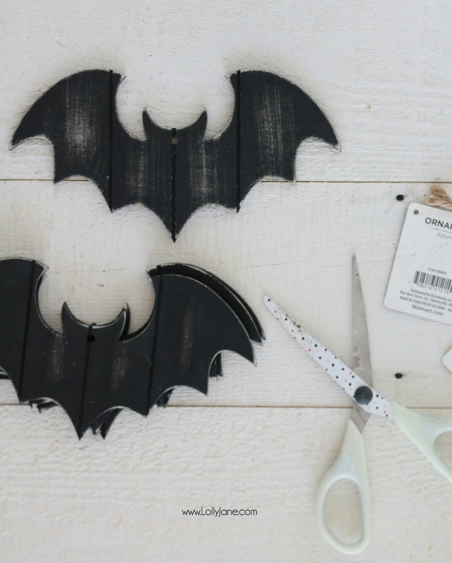 Versatile Halloween Garland made in minutes from bat ornaments!