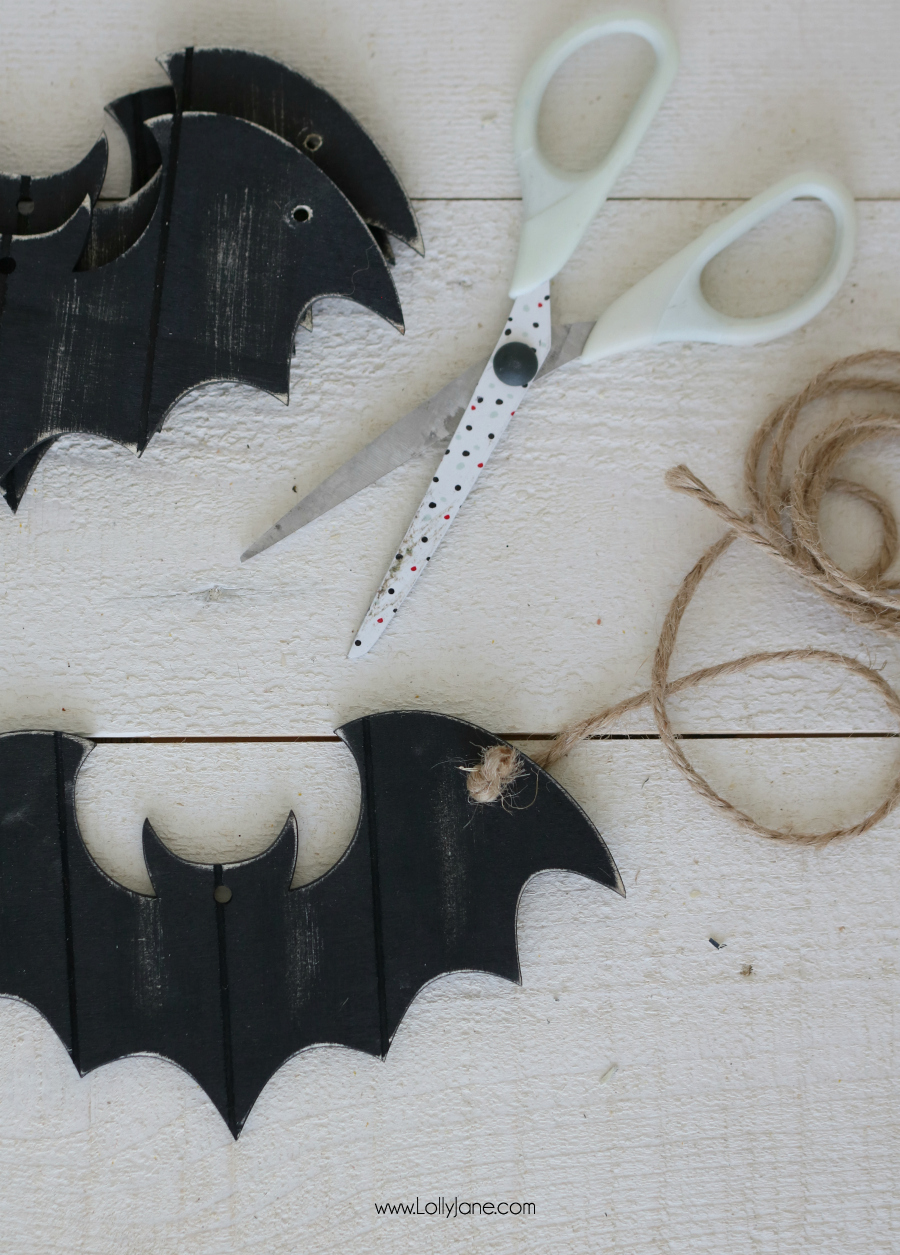 Easy peasy bat garland for less than $5!
