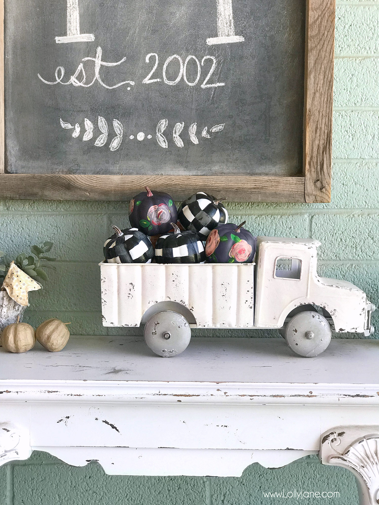 Cute and Easy Plaid + Floral Painted Pumpkins. I am obsessed! So darling for fall!!!
