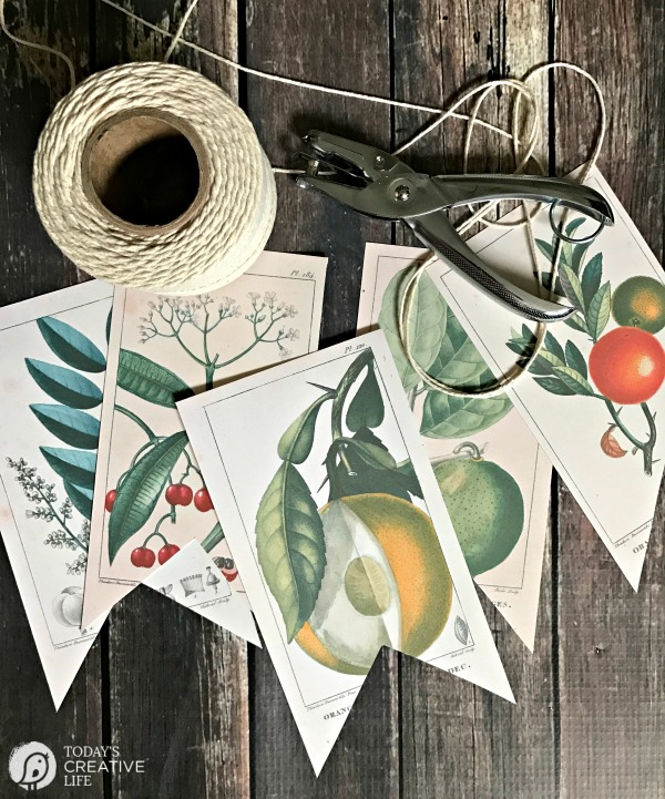 Loving this free farmhouse botanical printable banner, so darn cute! The perfect farmhouse kitchen home decor item, a free printable!