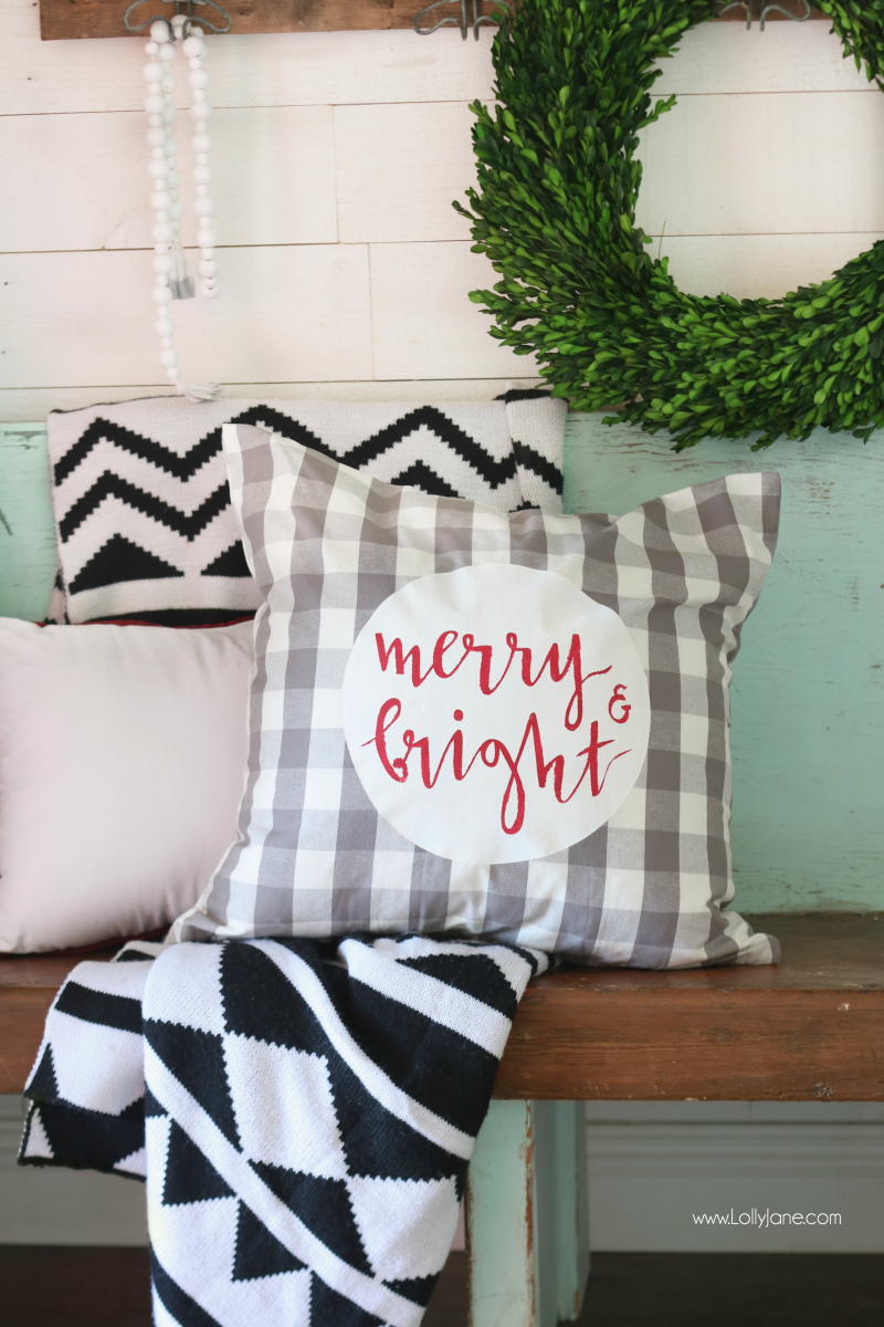 Christmas pillow tutorial with free printable