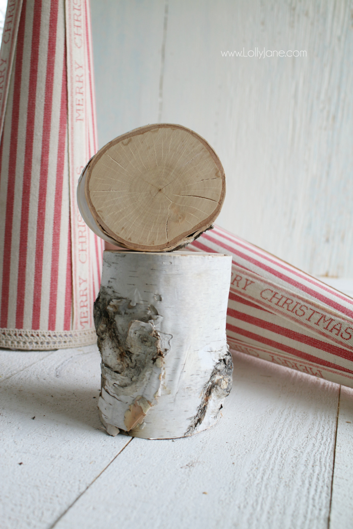 Look how easy it is to make a cute birch wood slice tree craft! Love the fabric and wood Christmas tree!