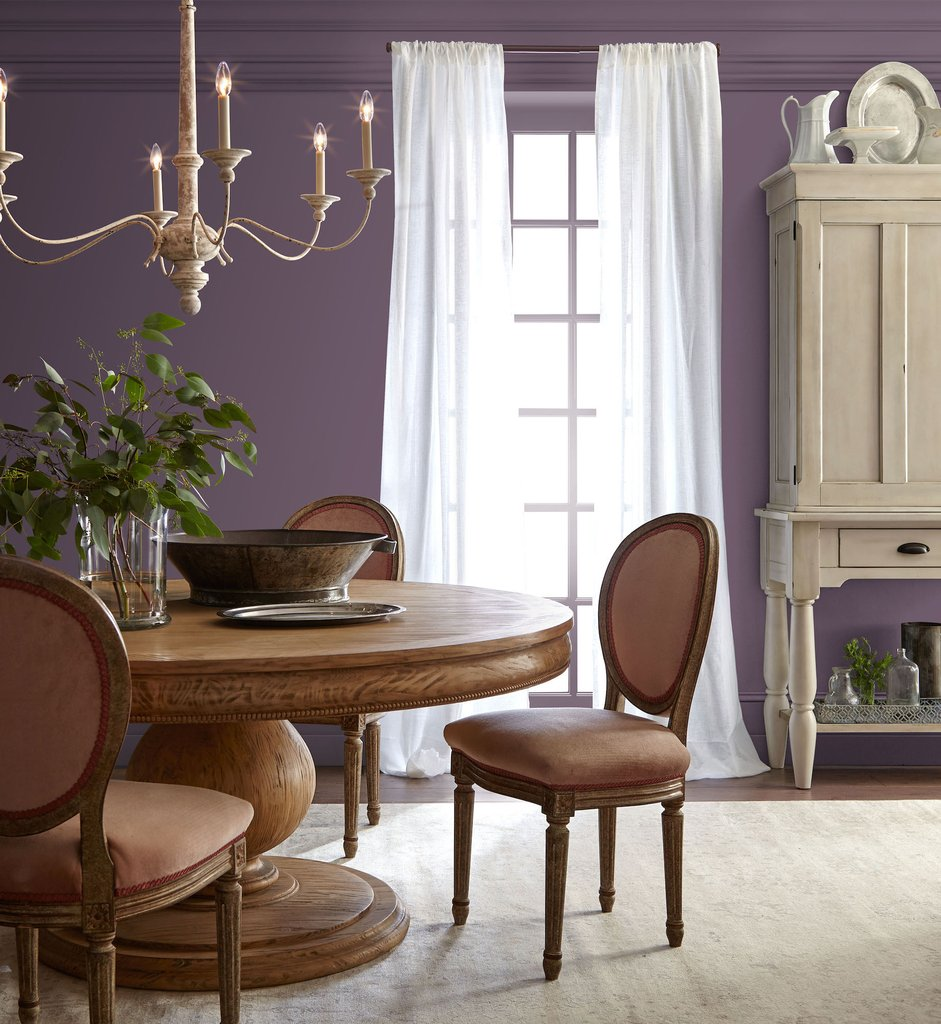 Ultra Violet dining room decor, love this 2018 color of the year! Webster Avenue paint via Magnolia