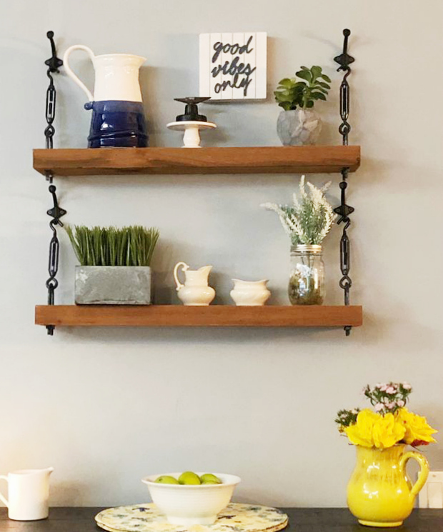 Loving these DIY Turnbuckle Shelves with hooks as hangers. Such an easy to make farmhouse shelf tutorial! #turnbuckle #turnbuckleshelf #diy #homeimprovement