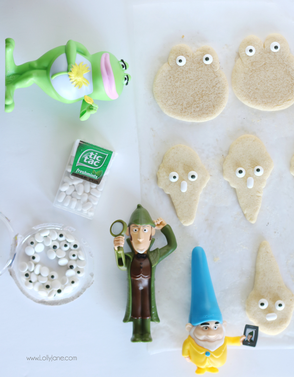 Make your own Sherlock Gnome cookies! Super cute and easy, perfect for gnome themed parties!