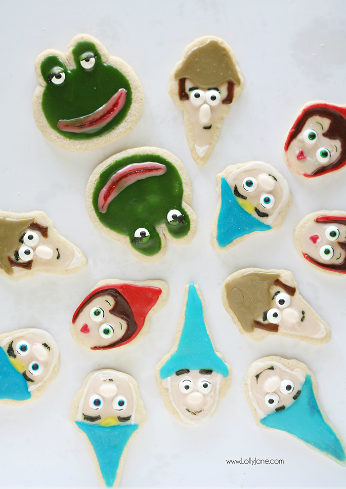 Easy Sherlock Gnomes Decorated Sugar Cookies with Royal Icing, cute and yummy!