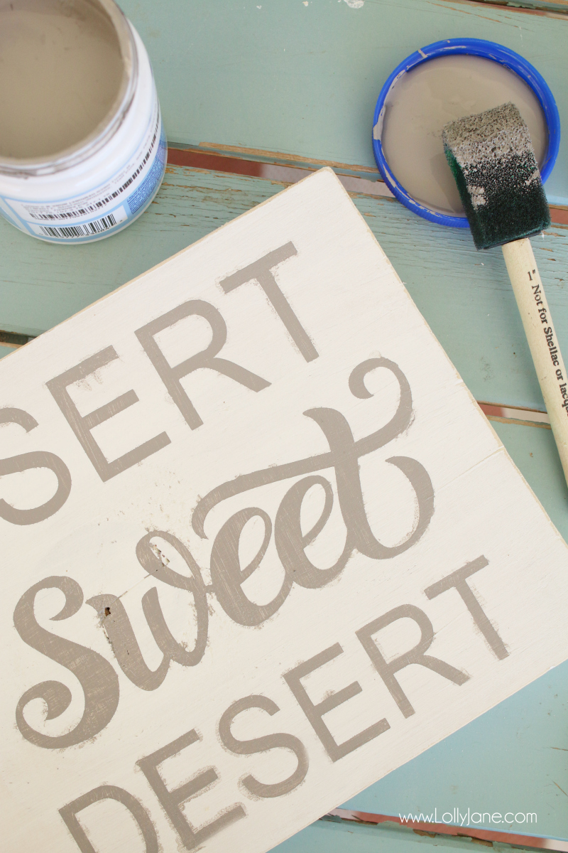Desert sweet desert wood sign tutorial. Love this easy to create wood sign with a fun southwest twist of home sweet home decor sign! The added floral cactus is a cute touch!