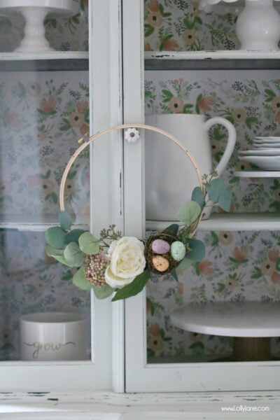 Make this EASY Floral Spring Embroidery Hoop Wreath with a trio of speckled eggs in less than 30 minutes!