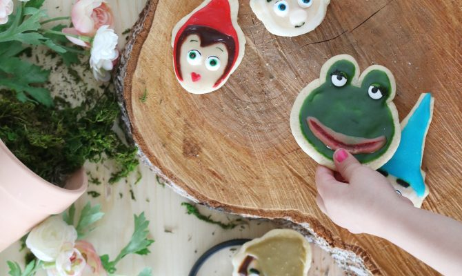 Try these easy and cute Sherlock Gnomes sugar cookies, so cute and yummy!