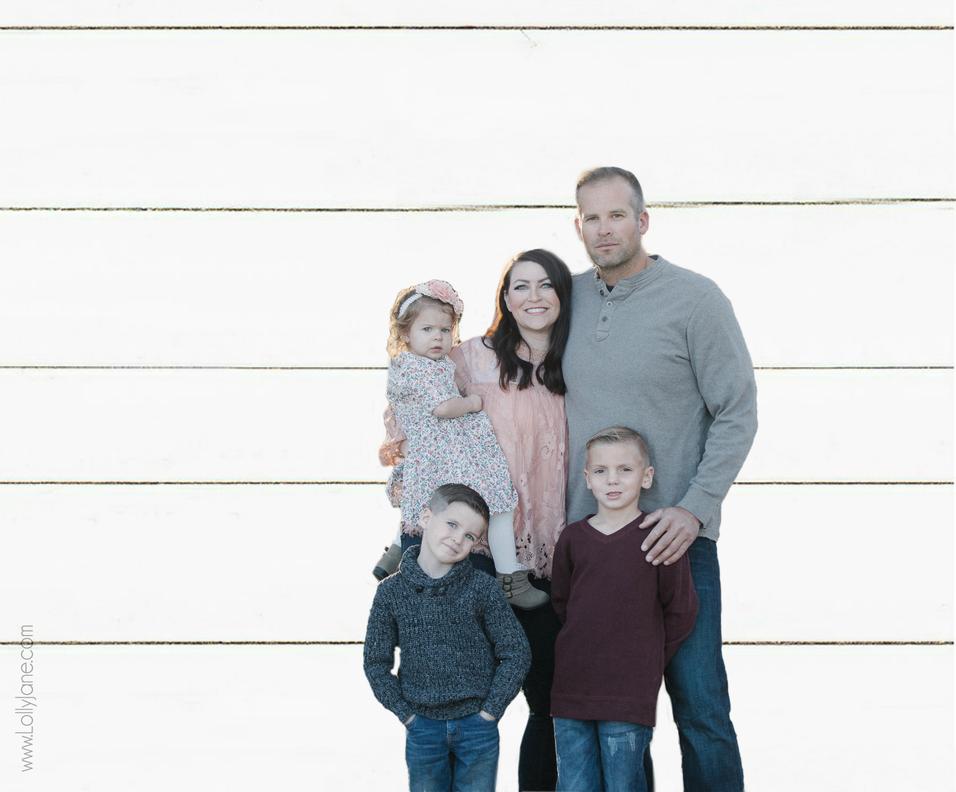Love the trending shiplap background for this family pic! Get this look with a few quick steps in PSE 18, awesome tutorial!
