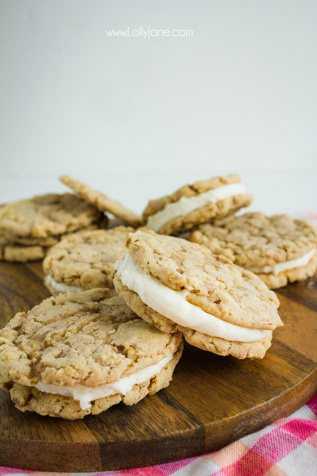 Love this oatmeal sandwich cookies recipe, yum! Easy to make oatmeal sandwich cookies, so good!