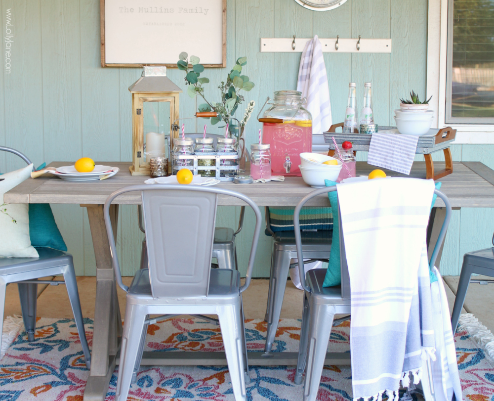 porch decorating ideas for summer - Love this pretty and EASY to recreate summer tablescape! You just need a few staple pieces for this cute setup and you'll have staple items to recreate the look year round for any party, event, or get together!Love this pretty and EASY to recreate summer tablescape! You just need a few staple pieces for this cute setup and you'll have staple items to recreate the look year round for any party, event, or get together!