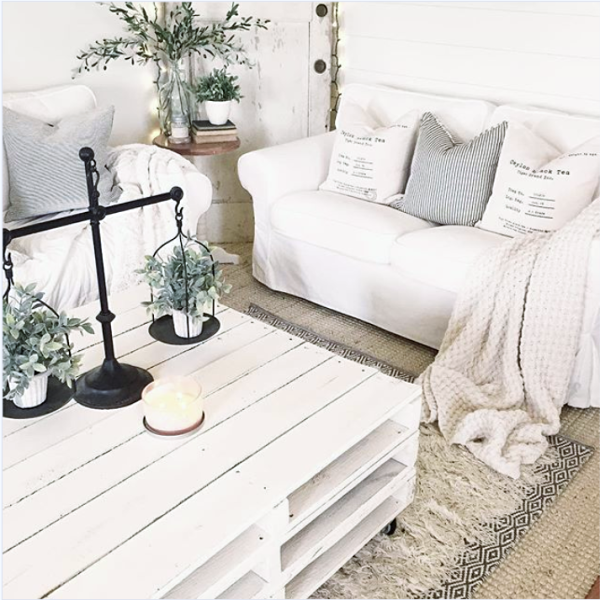 Warm up your space by layering farmhouse area rugs. Start with a jute base rug then add a patterned farmhouse rug. If you're feeling extra cozy, add a tassel farmhouse rug for added depth. #farmhousearearugs #farmhousearearug #layeringrugs #farmhouse #arearugs #howwtolayerrugs #familyroom #homedecor