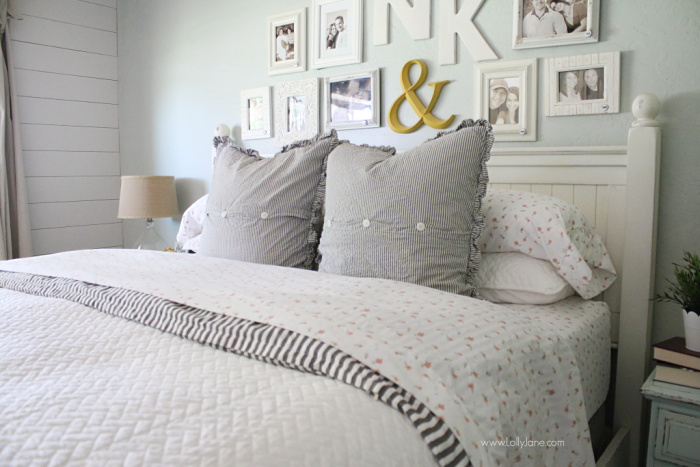 How to layer a coverlet on your bed. Tips for making your bed like a pro, how to style a coverlet over a duvet cover. Love this farmhouse bedding!