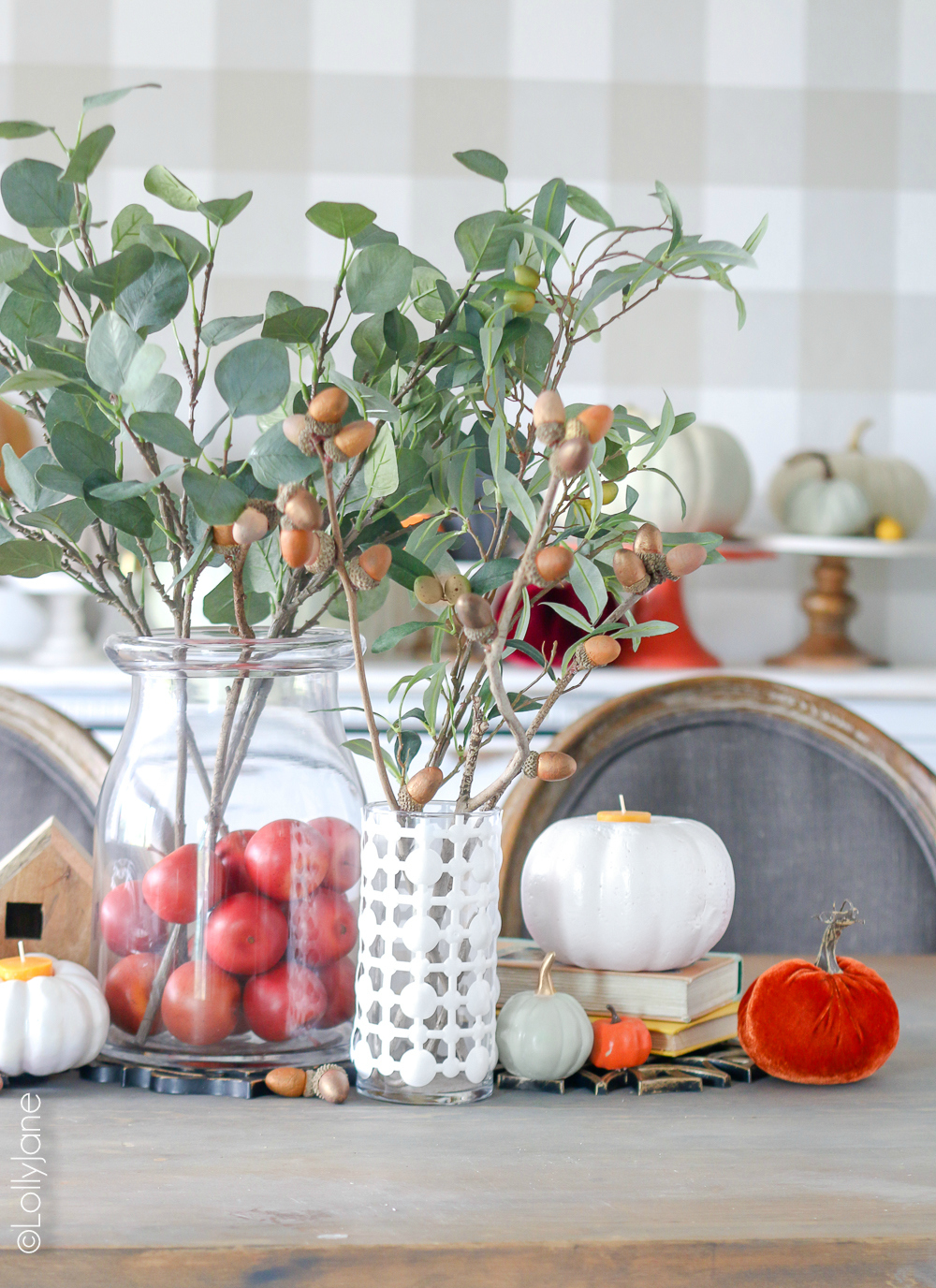 Get a high end look of fall decor without spending a fortune! Check out these crazy creative DIY Fall Decor from items from the DOLLAR STORE! WOOOW! #diy #falldecorations #fall