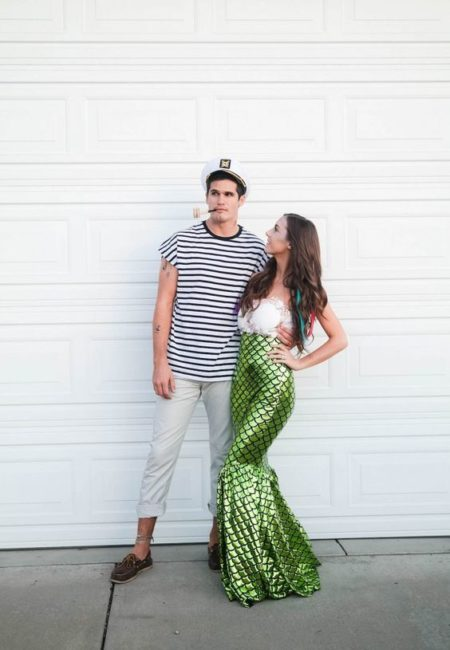 Love this sailor mermaid couples costumes ideas! SO stinkin cute! Love this couples costume Halloween idea!! #couplecostume #halloweencostume #couplescostumes