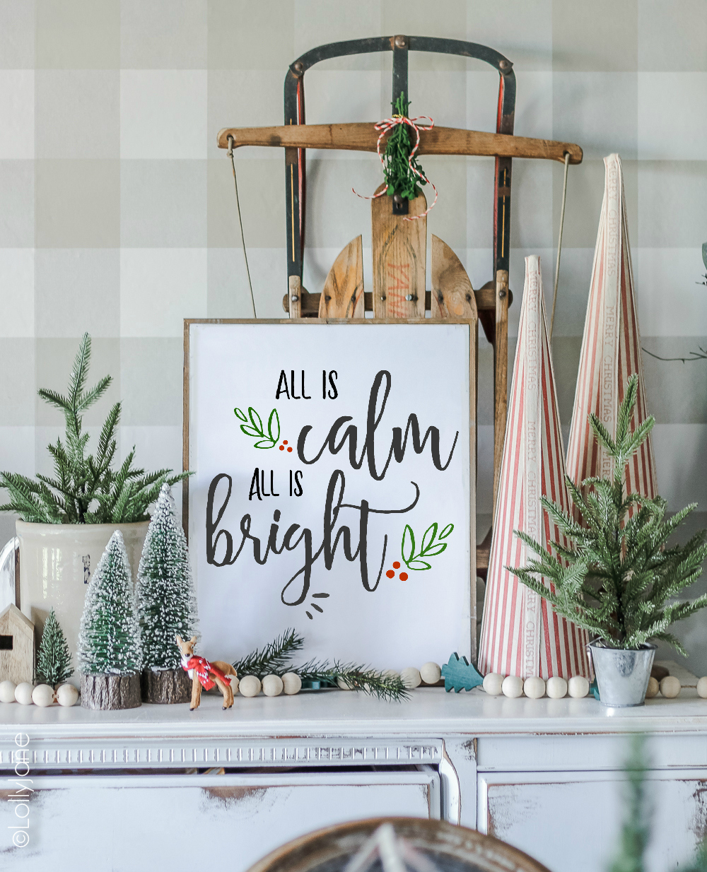 "Just print + create INSTANT festive cheer with this beautiful FREE ""Calm & Bright"" Printable! #freeprintable #printableart #Christmas #Christmasdecoration"