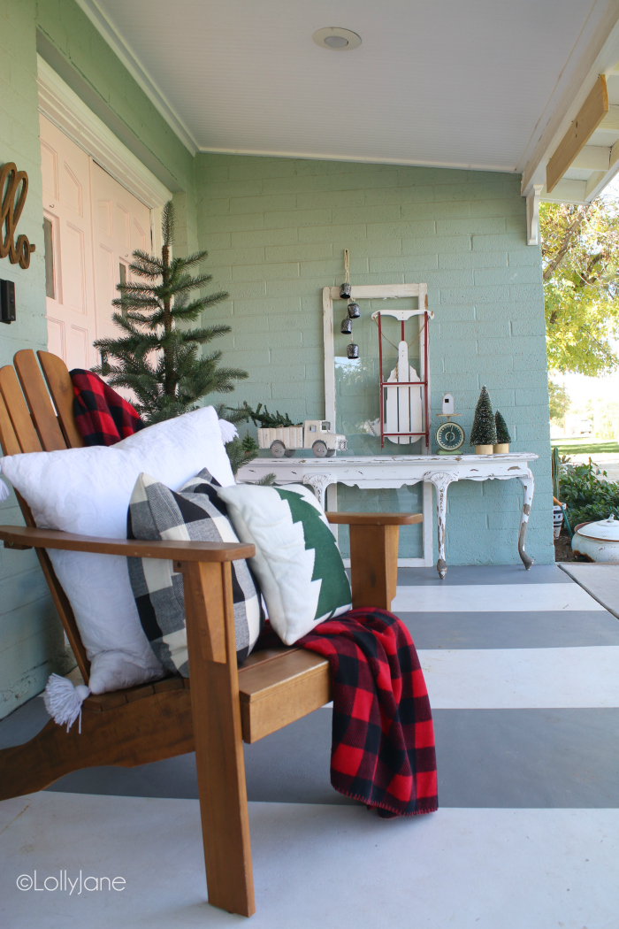 It's that time of the year again to get started decorating your front porch and front door for Christmas, welcoming your guests into your holiday home. Love these outdoor Christmas decorating ideas for the front porch! #christmasporchdecor #christmasdecorations #christmasporchdecorations #outdoorchristmasideas