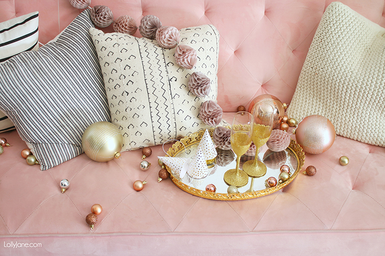 Simple + Pretty New Years Eve EASY Backdrop Ideas... throw a party in style that's not complicated or time consuming! #nye #nyeparty #partybackdrop #rosegold