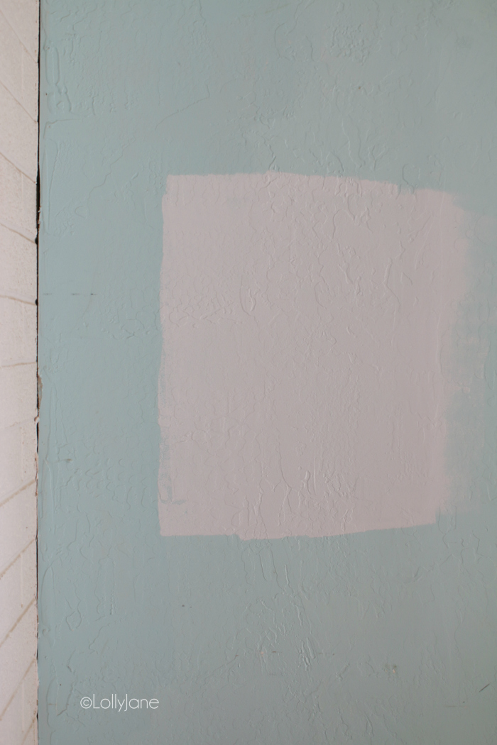 Such a pretty soft blue paint color, perfect for mid century modern rooms. Love this icy blue Snow Cap by True Value! #midcenturypaintcolor #midcenturydecor #bestpaintcolorformidcenturyrooms
