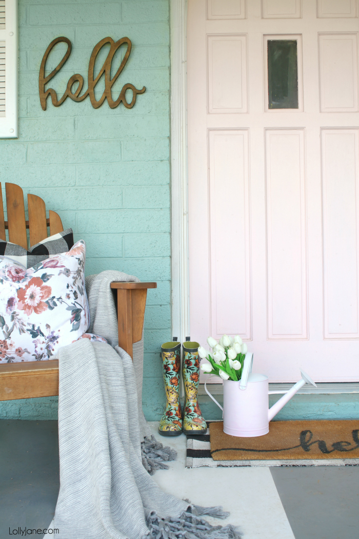 SO PRETTY! Instantly add some SPRING ambience with this quick (an easy!) painted watering can makeover. Add some fresh or faux florals and voila: spring has sprung! #homedecor #topspringideas #freshspringideas #springhomedecor