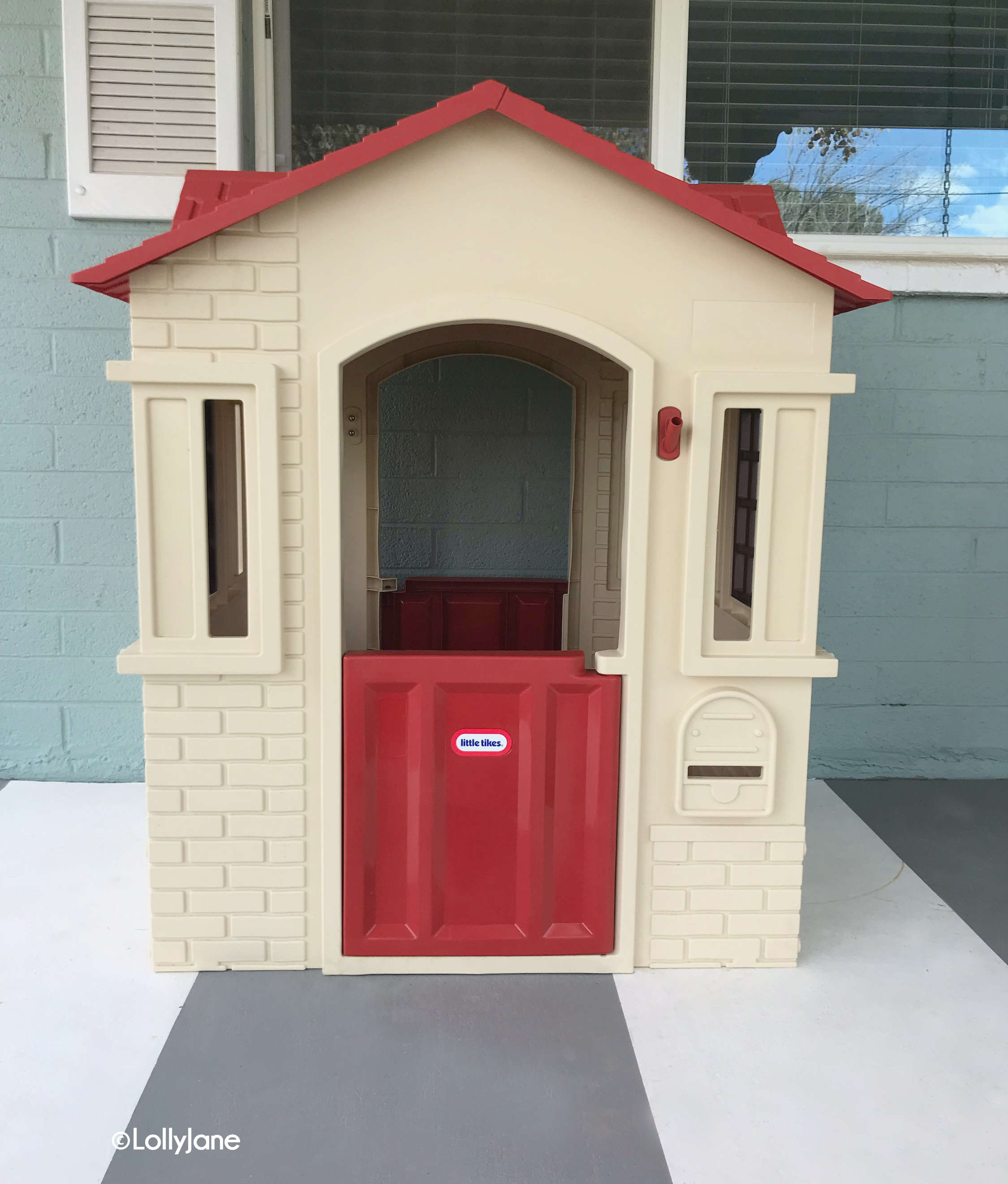 Little Tikes Playhouse... click to see the AFTER! So cute and easy to recreate! #littletikes #playhousemakeover