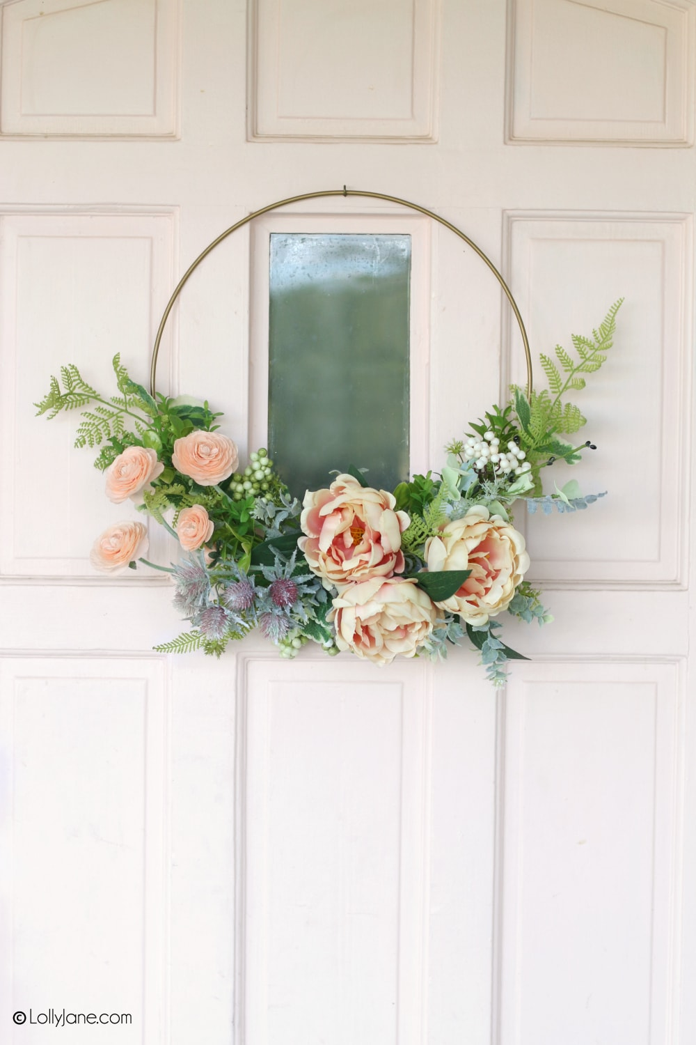 Beautiful handmade Modern Floral Wreath... and made in minutes! Perfect DIY project for beginning crafters! Display on your door to welcome spring or Easter into your home! #diy #springwreath #Eastercraft #wreath #moderndecor #floral