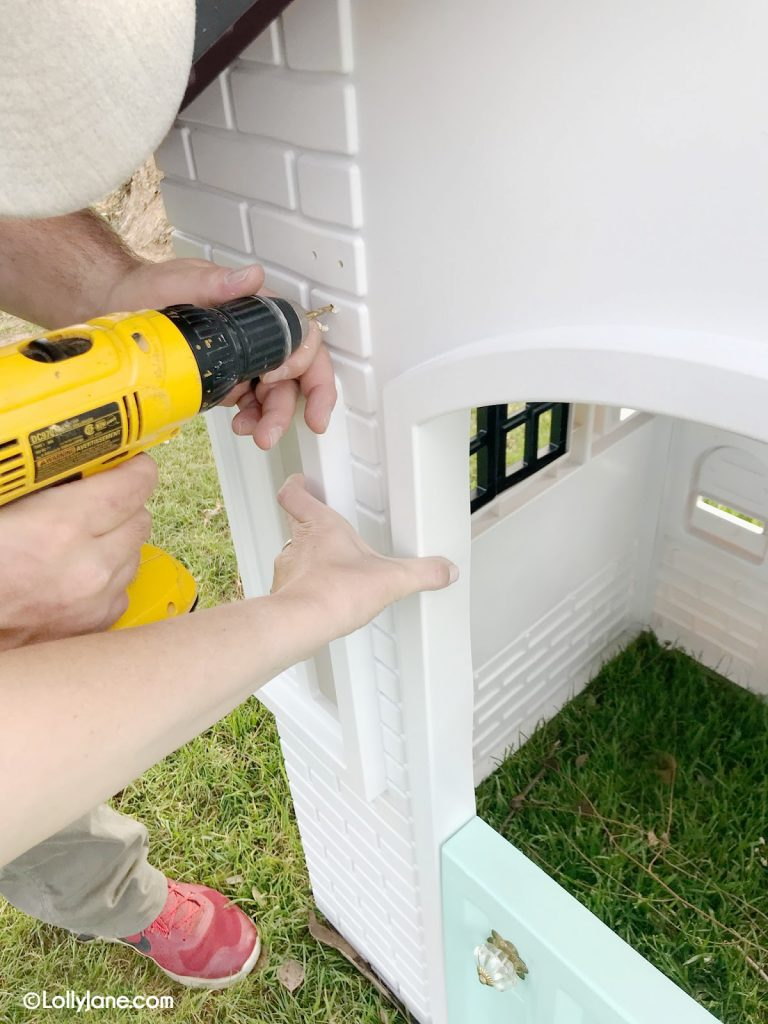 How to paint Little Tikes plastic playhouse. You've got to see the before on this plastic cottage, such a cute plyahouse makeover! #littletikesmakeover #paintedplayhouse #howtopaintplastic