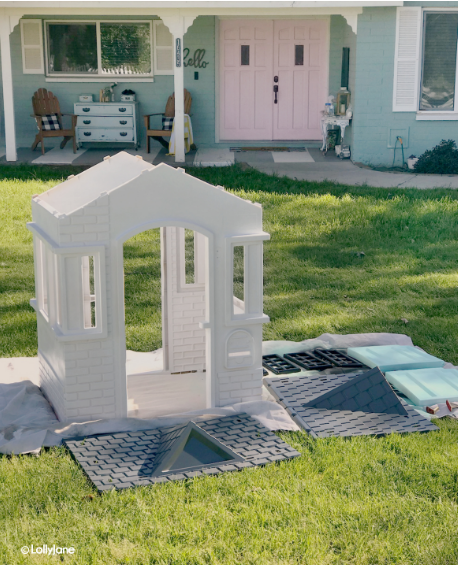 How to paint a plastic playhouse using spray paint, so easy! Love this quick makeover, such a fun cottage makeover. #littletikesmakeover #paintedplayhouse #plasticplayhouse #howtopaintplastic