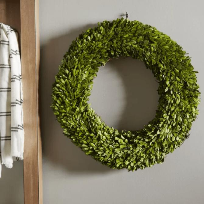 This preserved boxwood wreath is a staple in any farmhouse! #farmhouseideas #farmhousedecor #farmhousewreath #farmhous