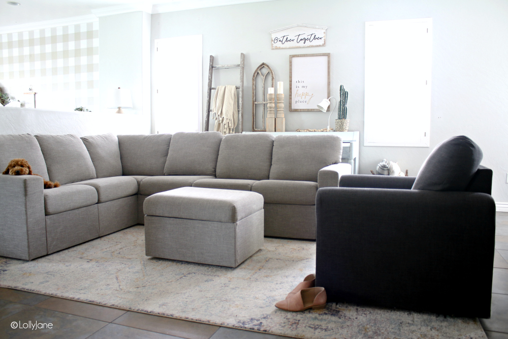 Love this cozy modern farmhouse, so easy to decorate with budget friendly items! #modernfarmhouse #cozy #familyroom