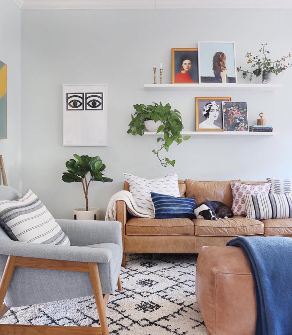 Darling modern rug ideas! Love this berber shag with the neutral walls and colorful accents to create cozy boho vibes. #boho #bohemianstyle #bohorug #bohemianrug #moderndecor