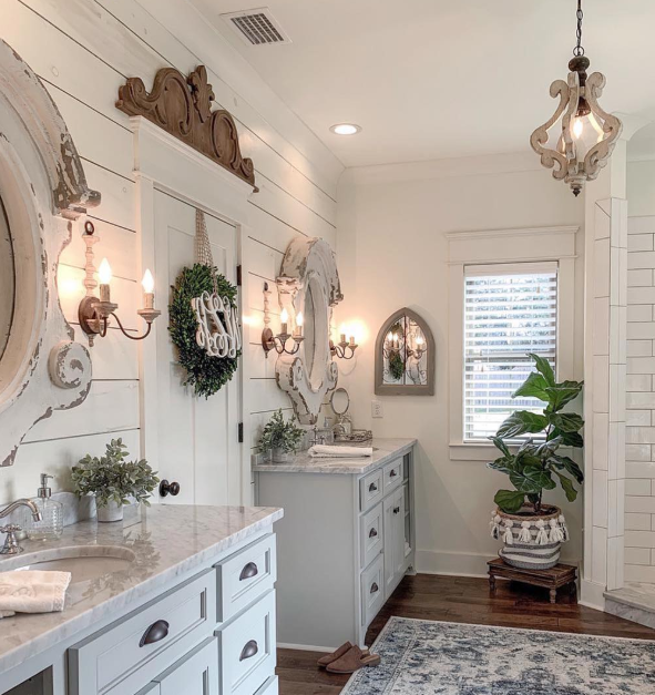 We've got the best area rugs for any room in the house. Isn't this area rug bathroom the cutest? Check out all the top popular area rugs for every room! #arearugs #bestarearugs #popularrugs #trendyrugs #homedecor