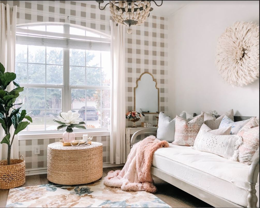 Finding the right arearugfor your decor style will give your room a polished look. Check out the best area rugs for any room in the house. Check out this huge collection of the best of the best area rugs, all your popular area rugs in one spot: and ON SALE! #cheaprugs #affordablerugs #boutiquerugs #popularrugs #bestarearugs #homedecor