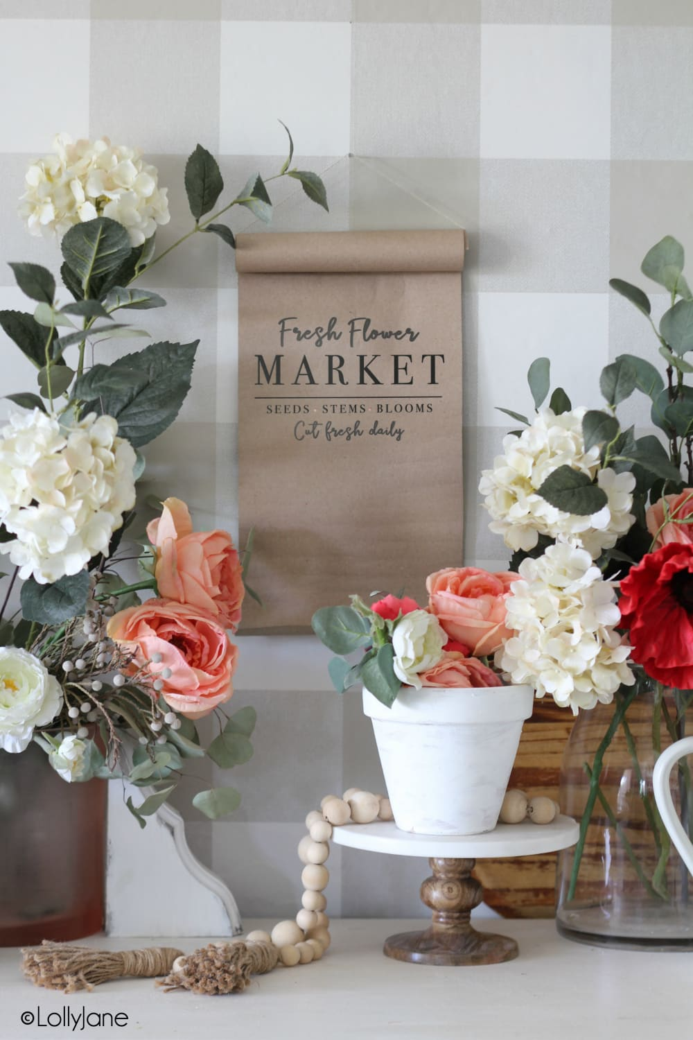 "DIY Paper Scroll... hack to be able to print from home! Cute ""Fresh Flower Market"" printable art included! #printableart #freeprintable #summer #spring #flowers"
