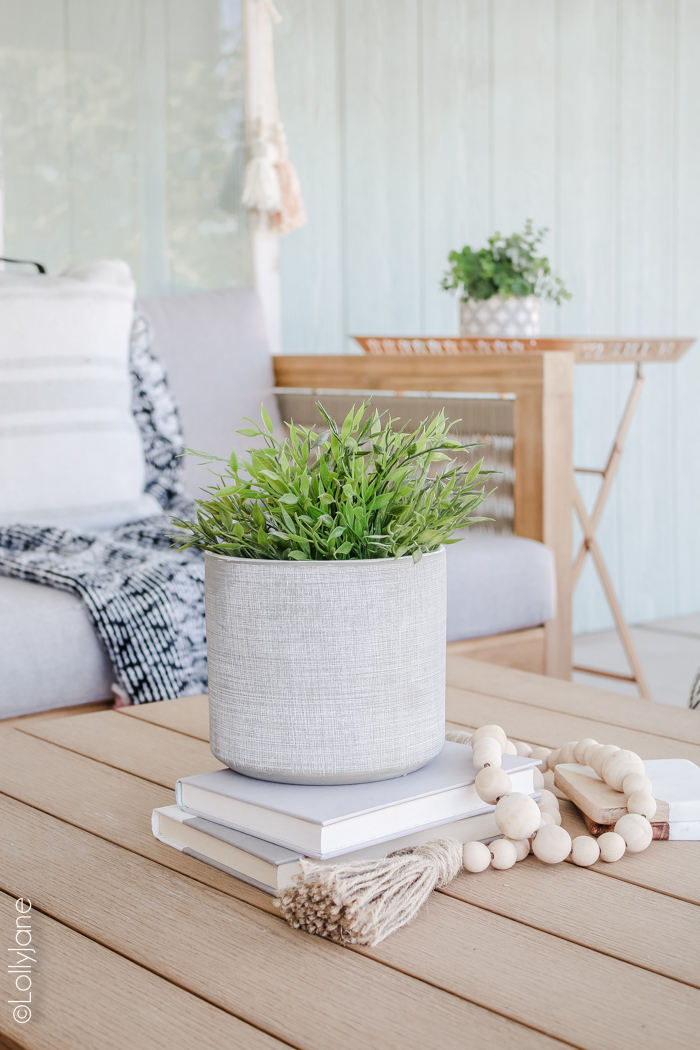 Cutest planter to pull together a fresh inviting space to cozy in on summer nights. Love this coastal farmhouse patio! #farmhousestyle #coastalstyle #patio #porchstyle #porch