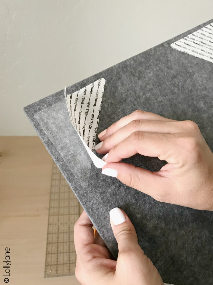 Love these felt tiles that created a modern farmhouse bulletin board in MINUTES, wow!