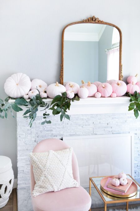 cute pink pumpkin ideas !! #homedecor #fallhomedecor #pink #pinkpumpkins
