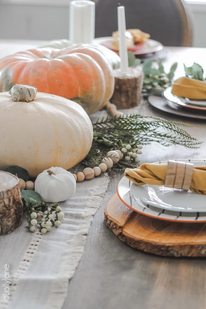 Gorgeous (and EASY!) ideas to decorate your own table for fall! #falldecor #falldecoration #falldecorideas #tablescape#