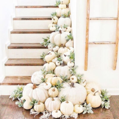 11 Ways to Decorate Stairs With Pumpkins!
