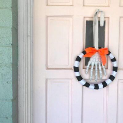 DIY Halloween Skeleton Hand Wreath