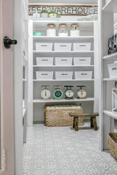 Farmhouse style pantry makeover! SO good! Storage tips and ideas included! #pantry #pantrymakeover #farmhousepantry #storage #organization #pantryorganization