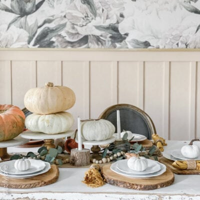How to Decorate a Thanksgiving Table