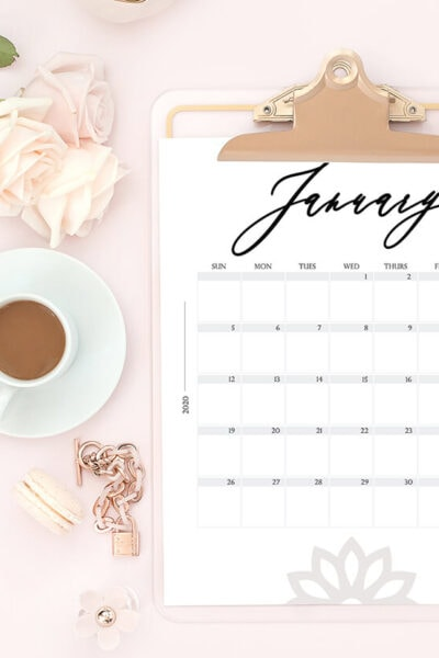 FREE Modern Style Printable 2020 Calendar PLUS a roundup of 50+ more styles! #2020calendar #freeprintable #printablecalendar