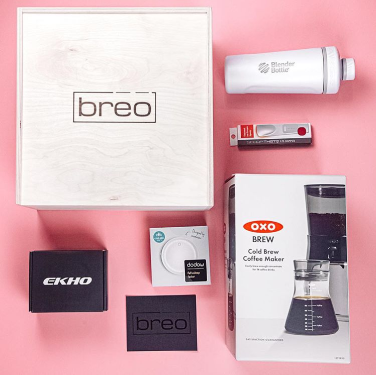 This Breo lifestyle monthly box would be a great gift for anyone! It's full of tech goodies, gadgets, trendy home goods and more!